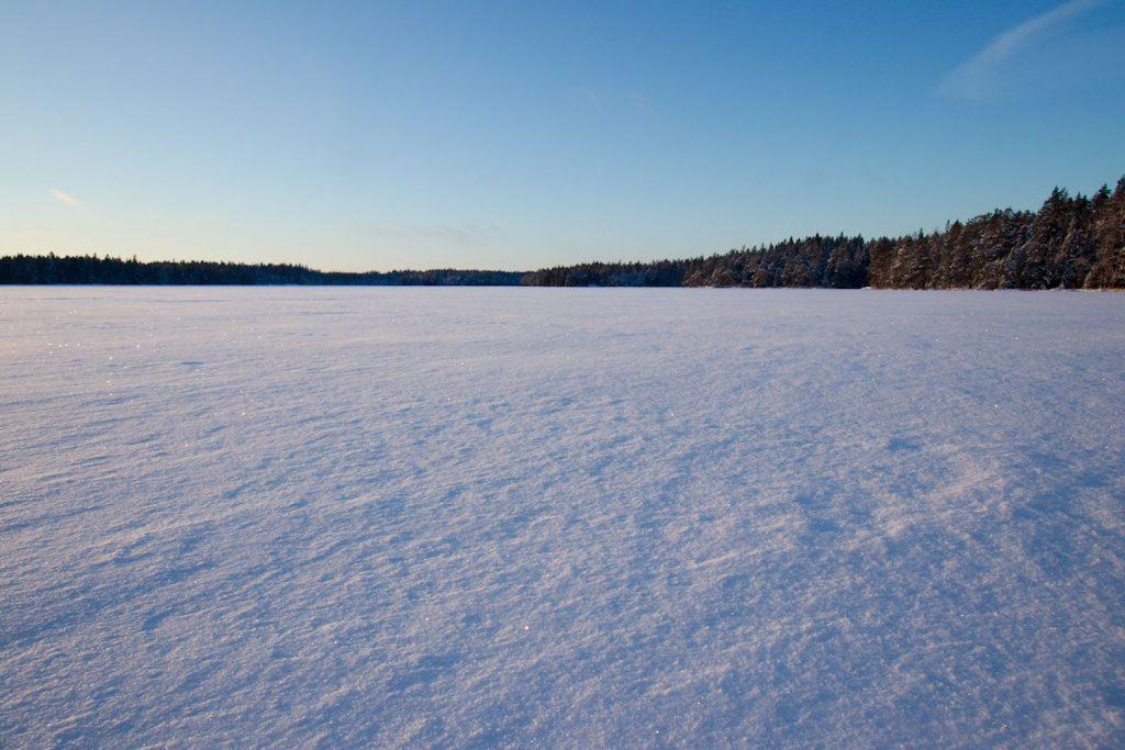 Meikojärven ulappa jäässä