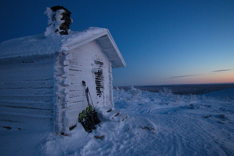 Pieni talvinen yöretki Pallas-Yllästunturin kansallispuistossa