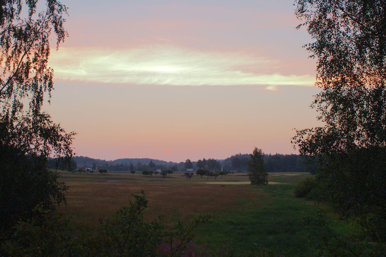 Hetki ennen auringonnousua Espoonjoen varrella