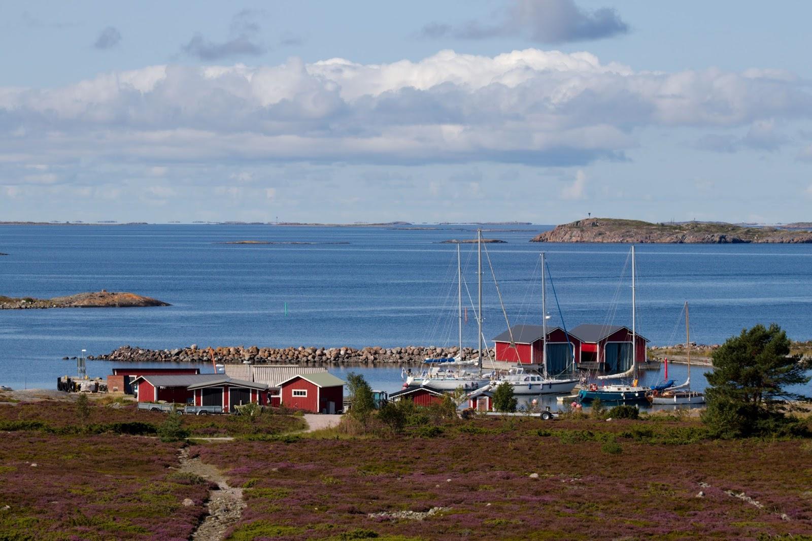 Jurmon satama Högbergetin suunnalta nähtynä