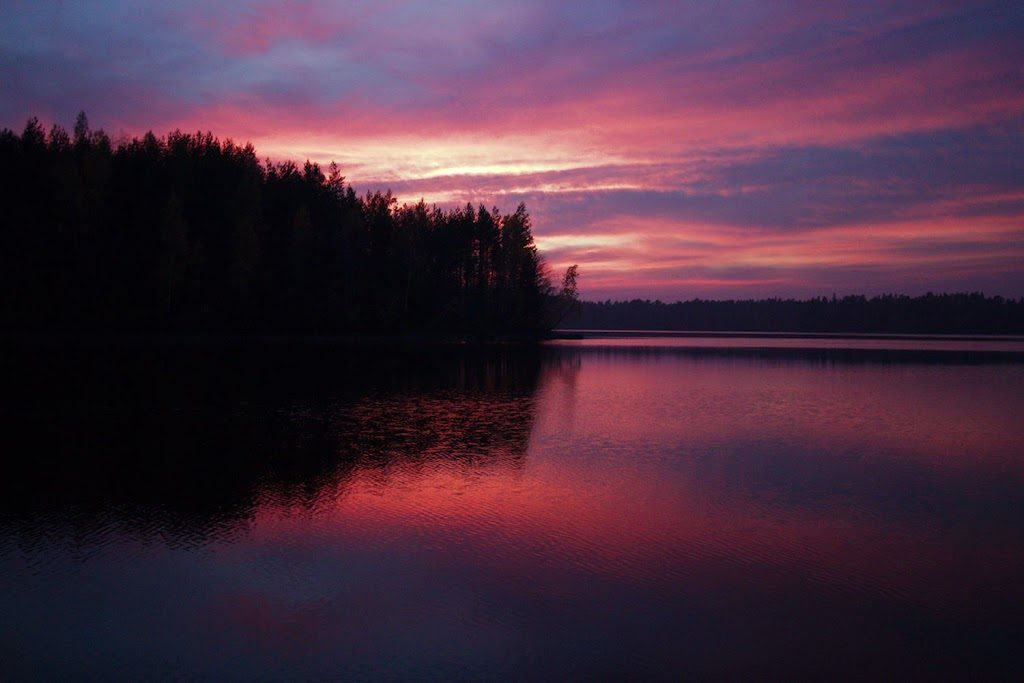 Auringonlasku sahajärvellä