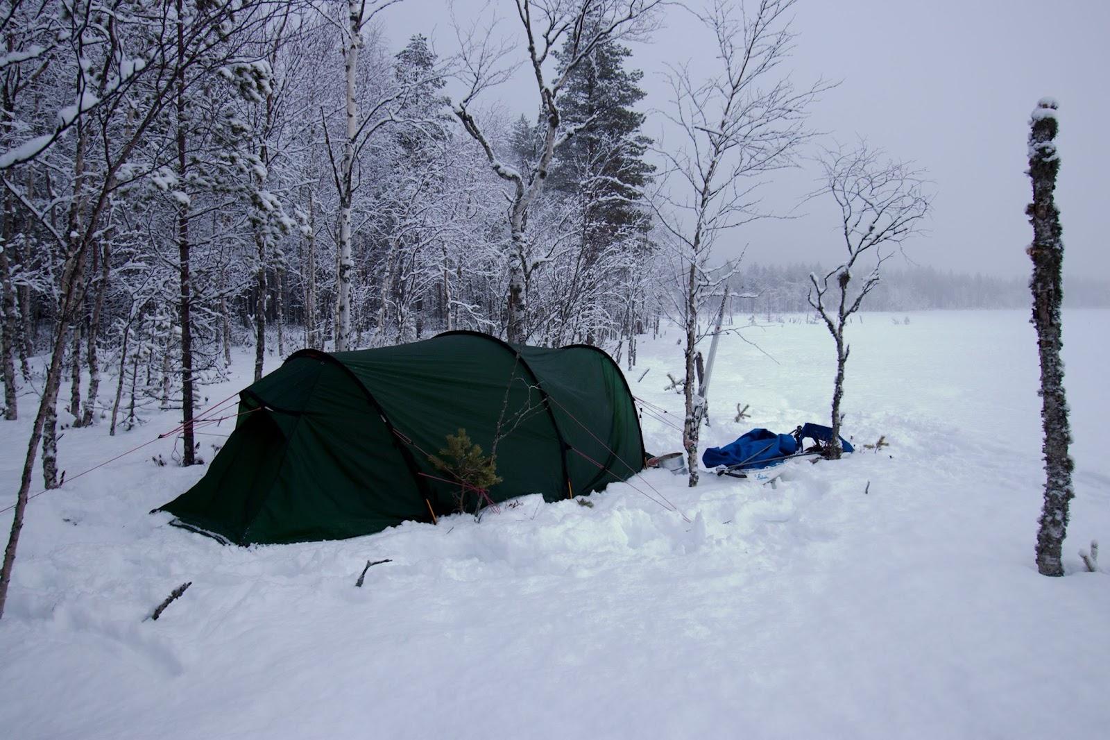 Telttapaikka Heinkinjärven rannassa