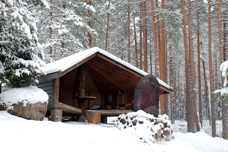 Talvinen Vaakkoi ja Kämmenlampi – pääkaupunkiseudun kaunein laavu